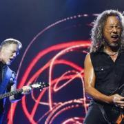 Metallica opens Game 4 with their rendition of Star Spangled Banner.