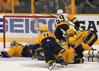 Pekka Rinne makes perhaps the best save of the season in Game 4!