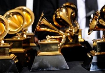 Grammy Award winning singer may have spoiled the surprise in Nashville tonight.