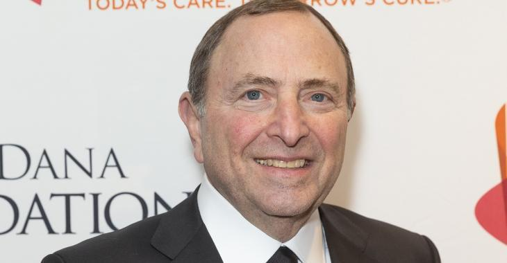 Steve Simmonds calls out Bettman, Fehr, for 'disgrace' at Ted Lindsay's funeral.