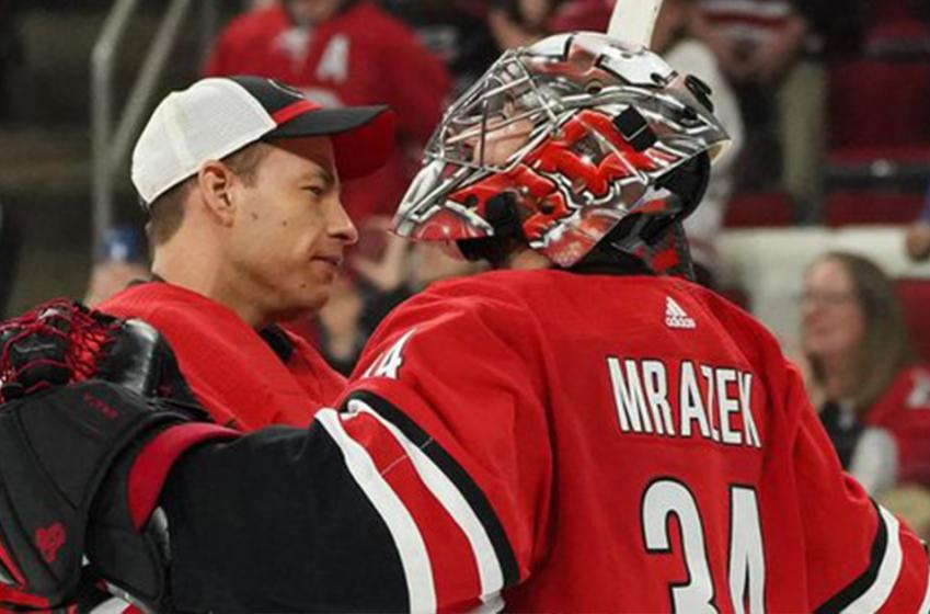 Brind'Amour makes surprising announcement regarding starting goaltender for Game 3