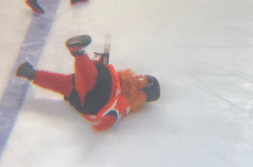 Flyers new mascot Gritty goes down HARD in preseason debut