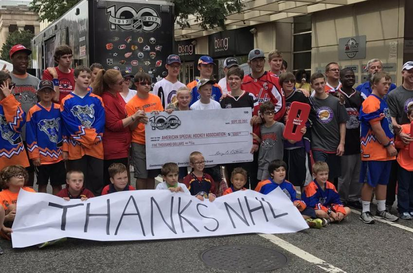 Must see: Ovechkin surprises kids in street hockey game!