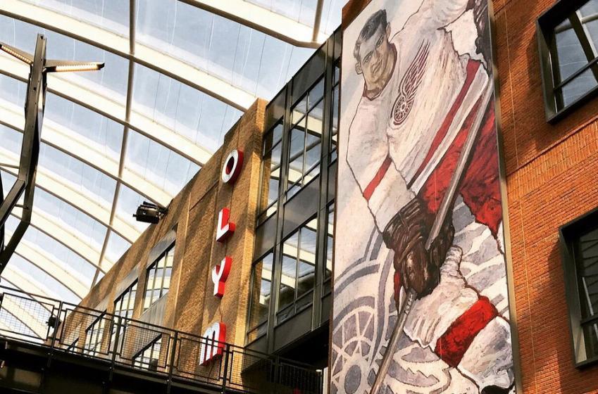 Wings give Gordie Howe permanent locker at new arena