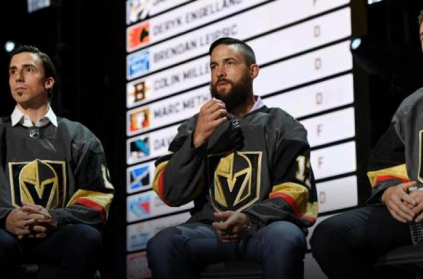 Vegas Golden Knights players go door to door and surprise fans