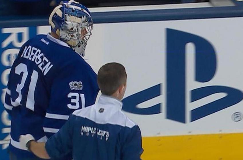 Breaking: Andersen goes down hard in Leafs' practice!
