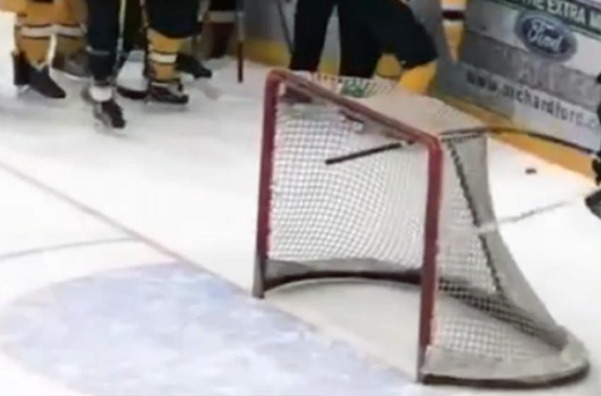 Beer league goalie ruthlessly breaks opponents' stick during line brawl
