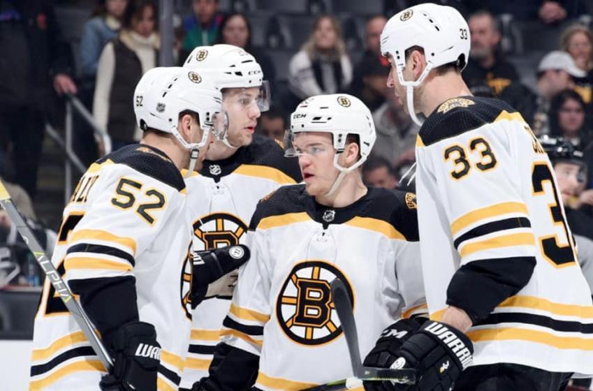 Bruins make unpopular lineup change for Game 7