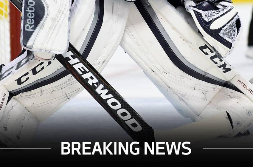 Breaking: NHL goalie shocks everyone and retires at just 31!