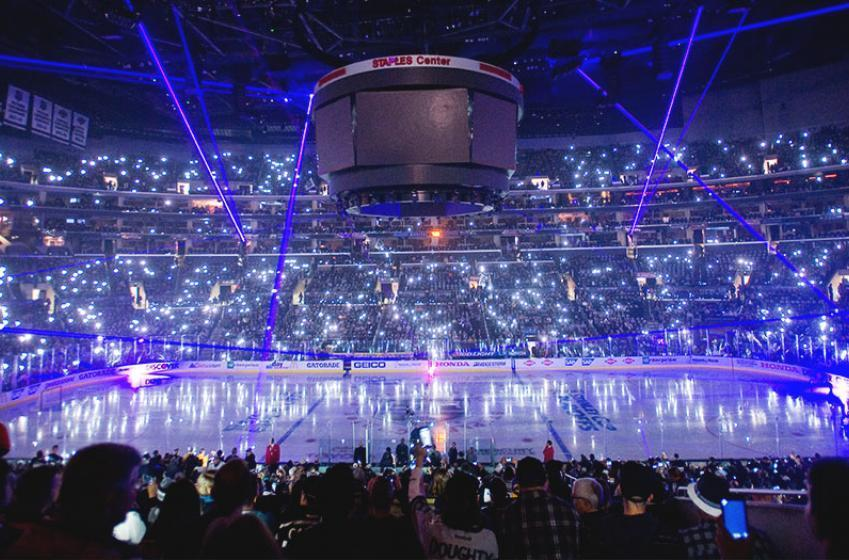 Report: Despite NHL interest, veteran forward bolts for KHL