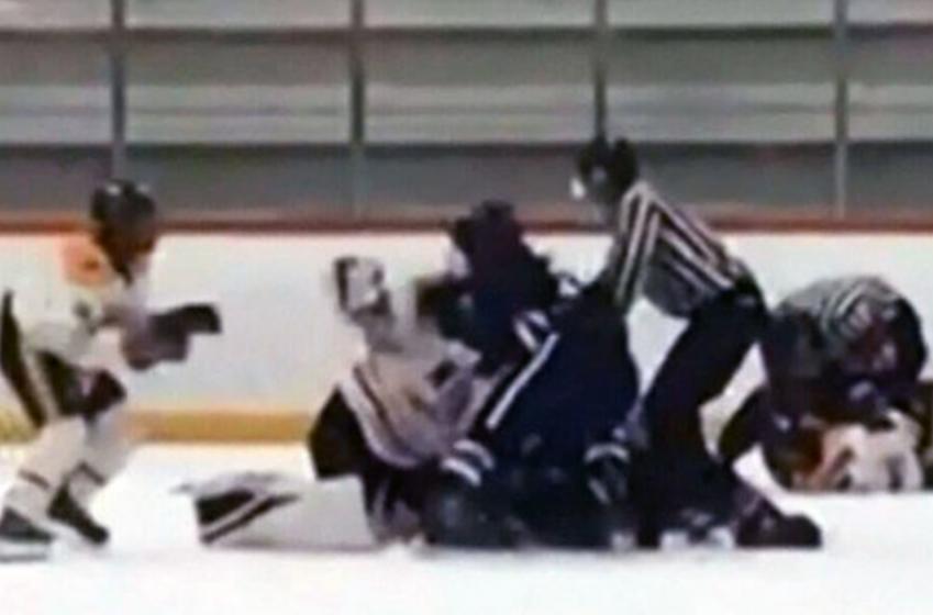 Video of brutal brawl between children at minor hockey tournament in BC