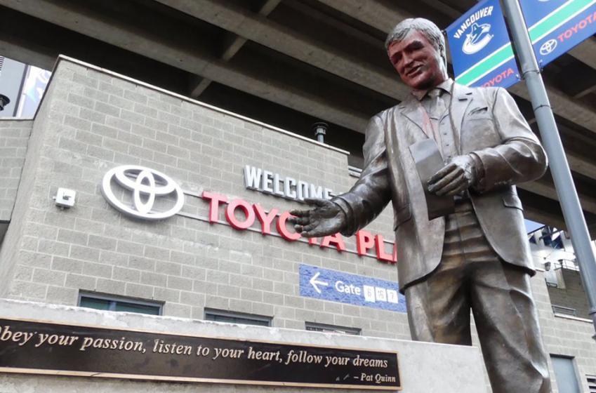 Trump protestors vandalize statue of Hall of Famer Quinn?