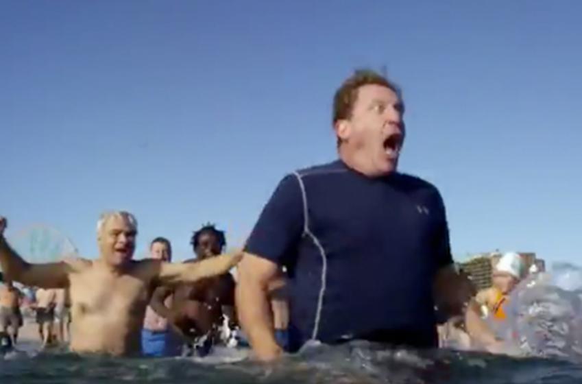 Jeremy Roenick takes the Polar Bear Plunge!