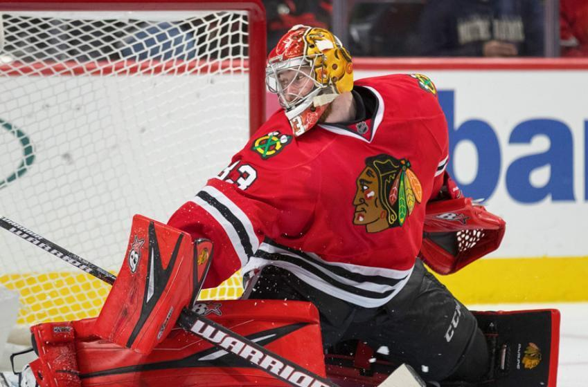 Blackhawks Goalie Flashes Glove