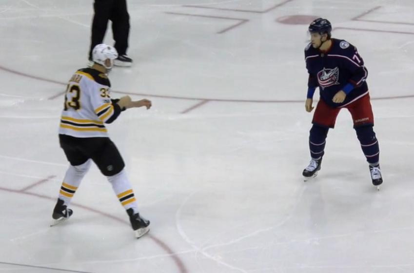 Josh Anderson takes on Bruins giant Zdeno Chara!