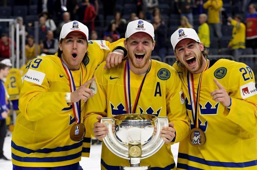 Team Sweden got a very special escort coming home!