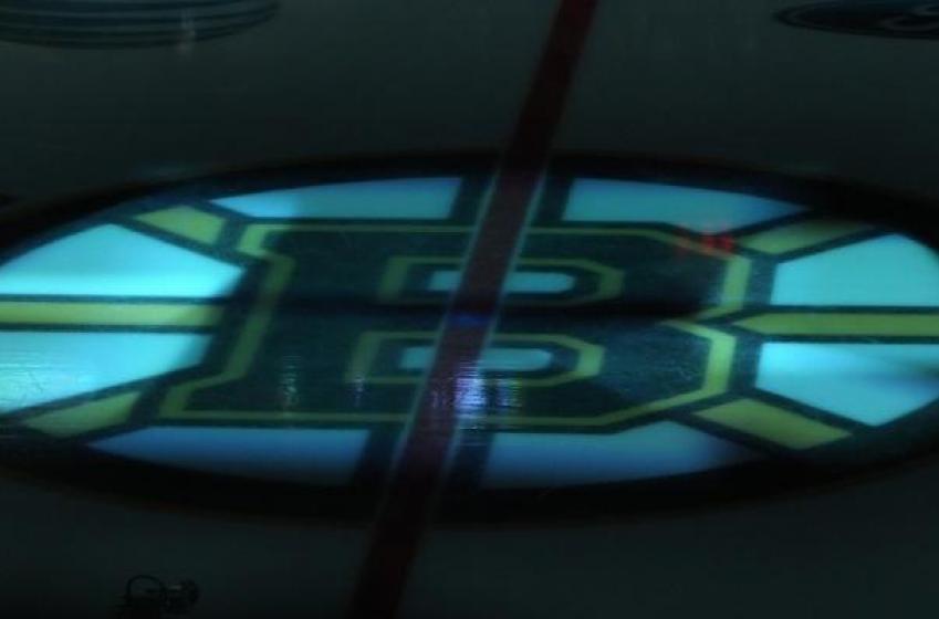 Bruins survive goal festival with St. Louis