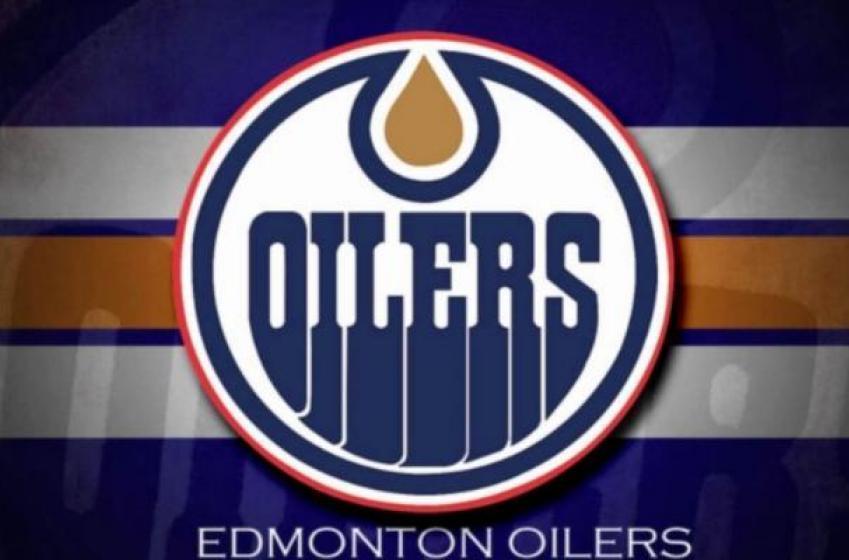 Edmonton Oilers Need to Consider Kevin Shattenkirk