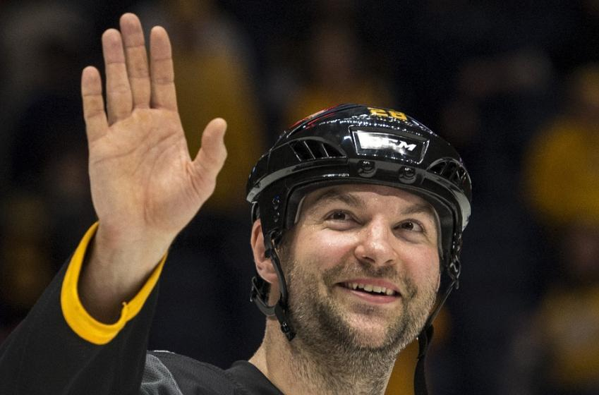 Beloved NHL enforcer announces retirement, makes shocking confession at the end of his career.