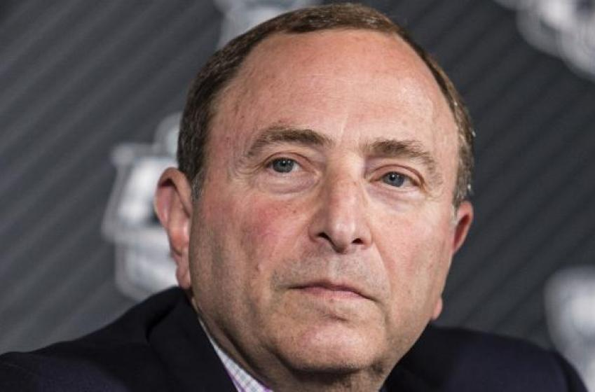 Garey Bettman appears to tell veteran goaltender to 'shut up,' after complaints.