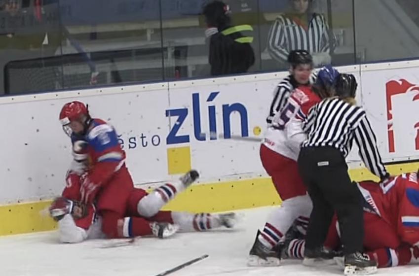 Crazy brawl at IIHF under 18 Women's Championship!