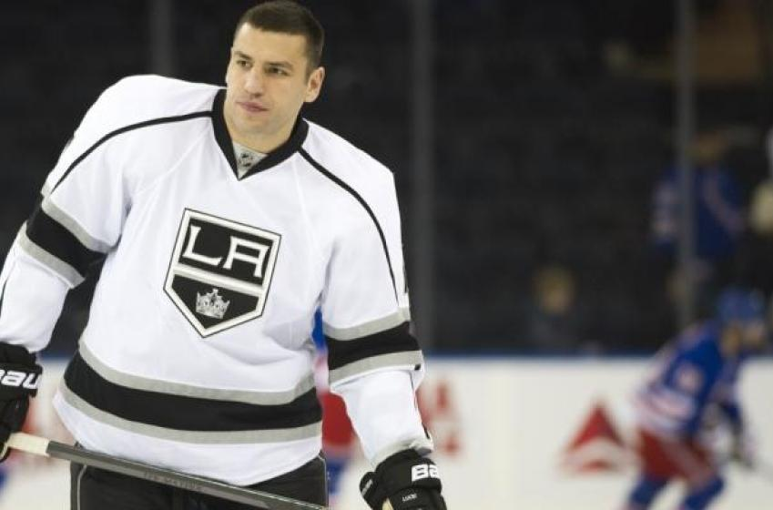 Lucic and Kings reportedly a ways apart on contract talks.