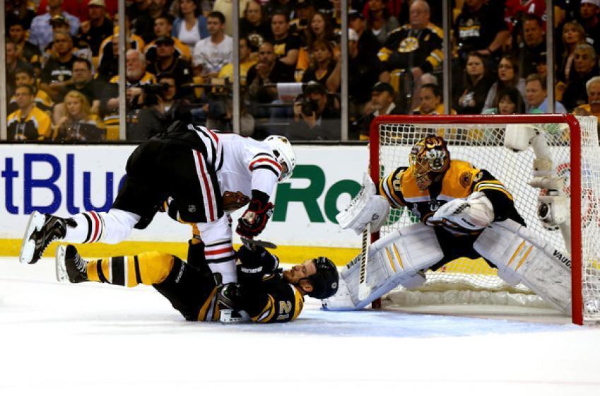 Trade brewing between Bruins and Hawks?