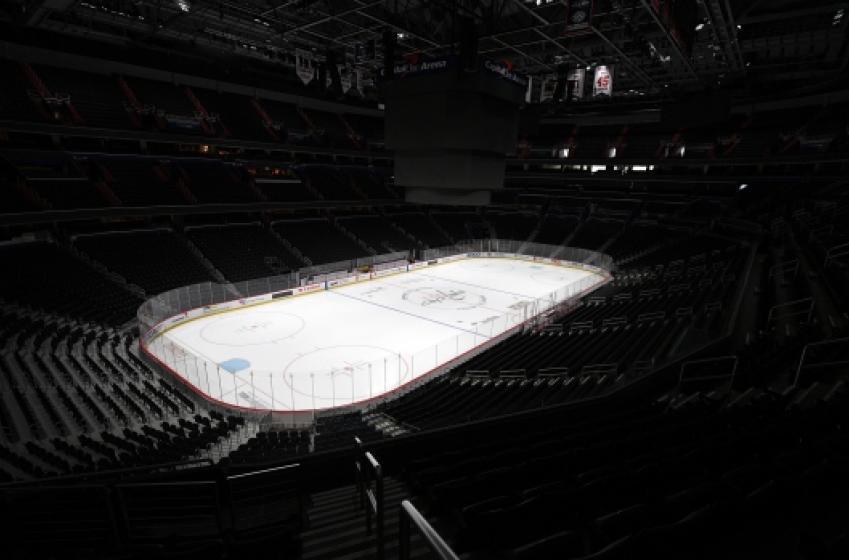 No hockey before 2021?!